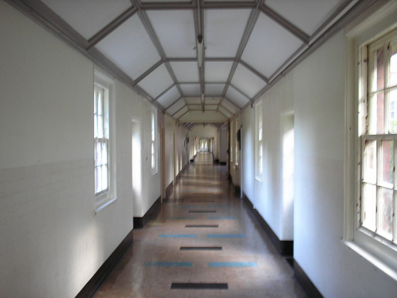 Whitchurch_Hospital_West_Wing_Corridor